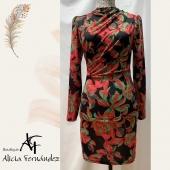Precioso vestido drapeado!! 😍😍 #vestido #vestidocorto #ajustado #drapeado #estampados #negro #rojo #fucsia #verde #estilo #new #modamujer #moda #diseño #lookoftheday #ootd #tiendaderopa #boutique #boutiquealiciafernandez #ciudadlineal #callealcala #pueblonuevo #calleemilioferrari
